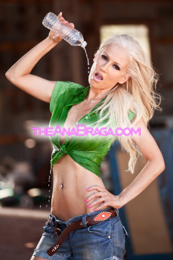 ANA BRAGA WET DENIM AUTOGRAPHED PHOTO 8x10